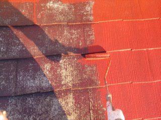 小山市 T様邸 屋根塗装工事屋根塗装中塗り