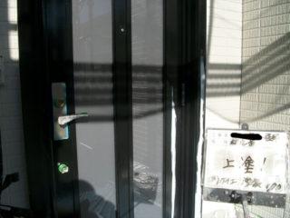 玄関ドア塗装下塗・中塗